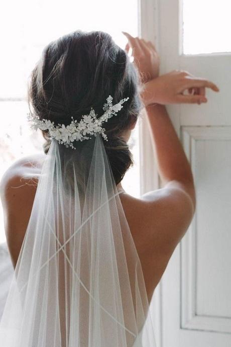 Braut hochsteckfrisuren mit schleier