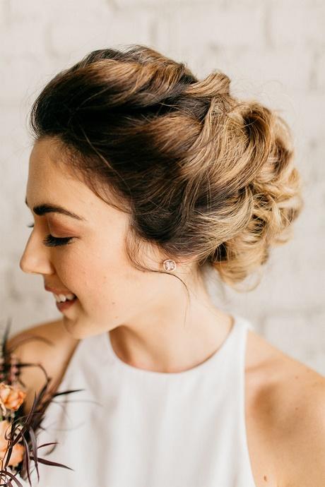 Hochsteckfrisuren Mittellange Haare Halboffen