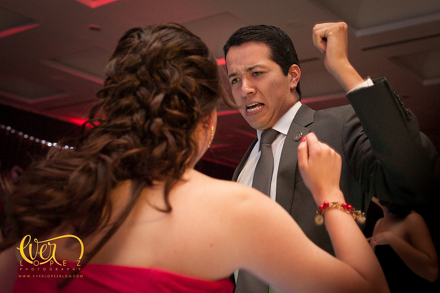 Paquetes de fotografia para 15 años, mexican destination party wedding photographer pictures dancing guests having fun