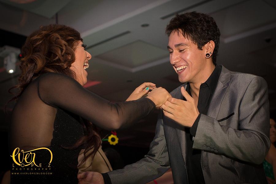 mexican destination party wedding photographer pictures dancing guests having fun puerto vallarta nuevo punta mita