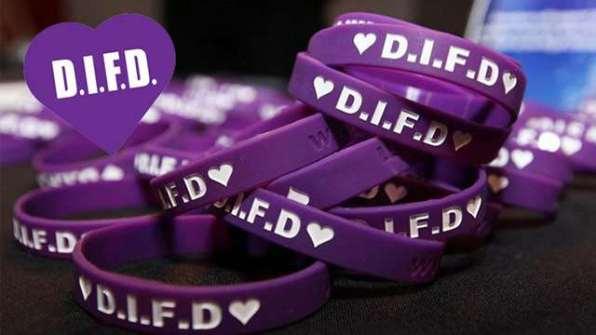 do_it_for_daron_bracelets_640