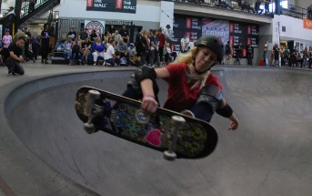 indy grab, skateboard, frontside air, skating, skate