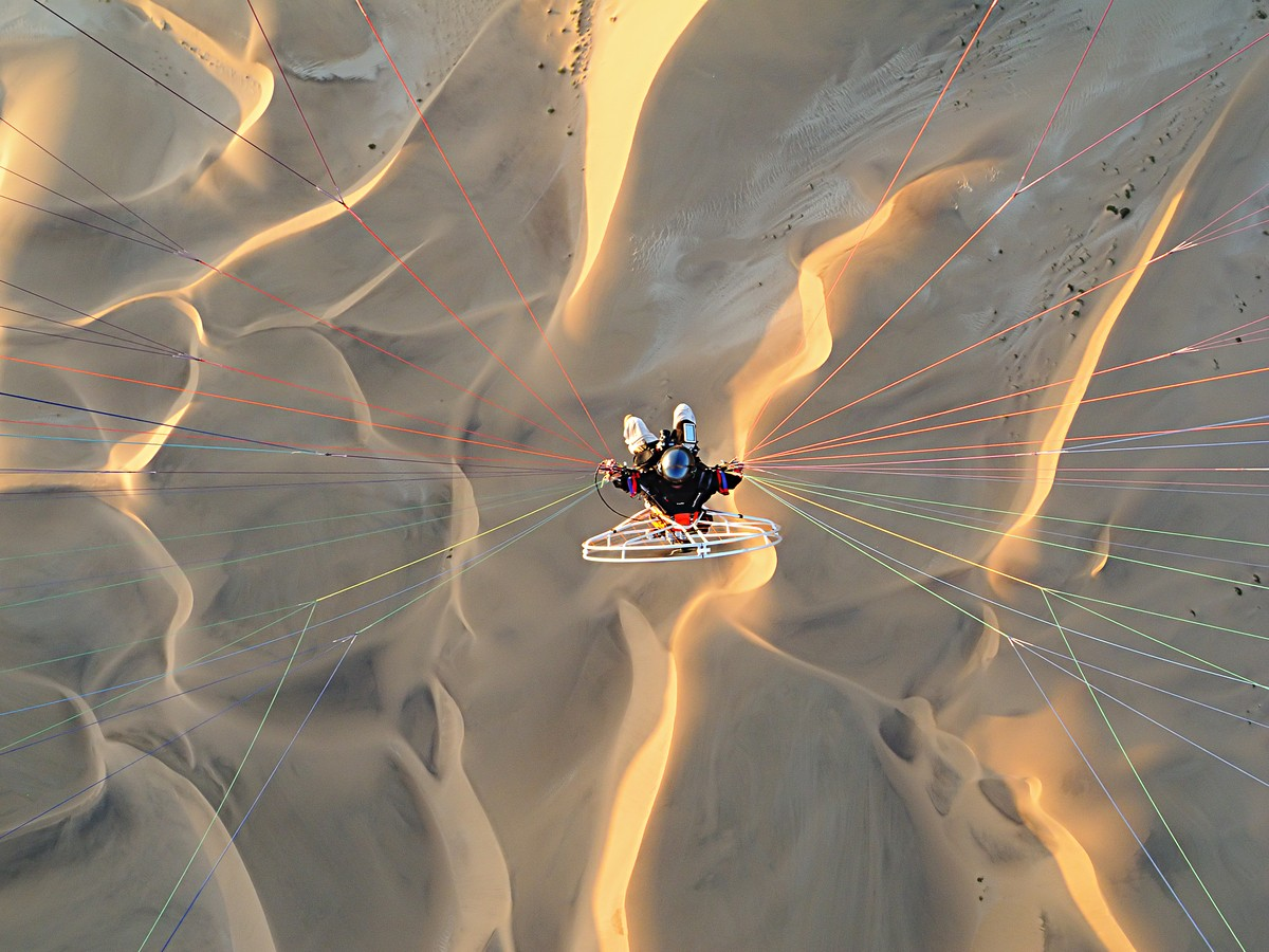 Image: Theo Allofs paraglider photography