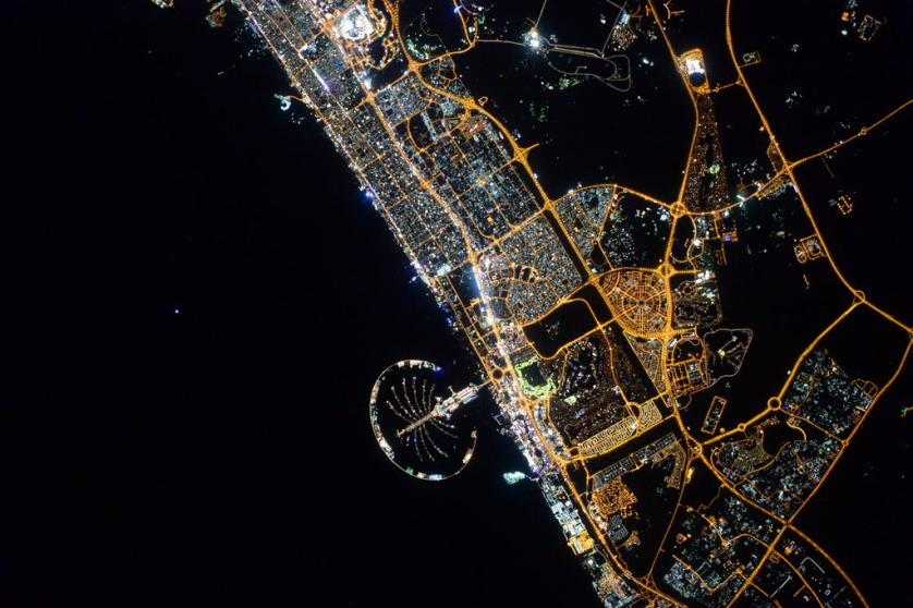https://twitter.com/StationCDRKelly/status/670644698860646400 #Dubai, #GoodEvening from @Space_Station! You're brilliant as always. #UAE #YearInSpace