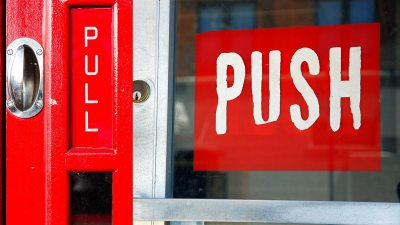 Image: Push and Pull signs on doors