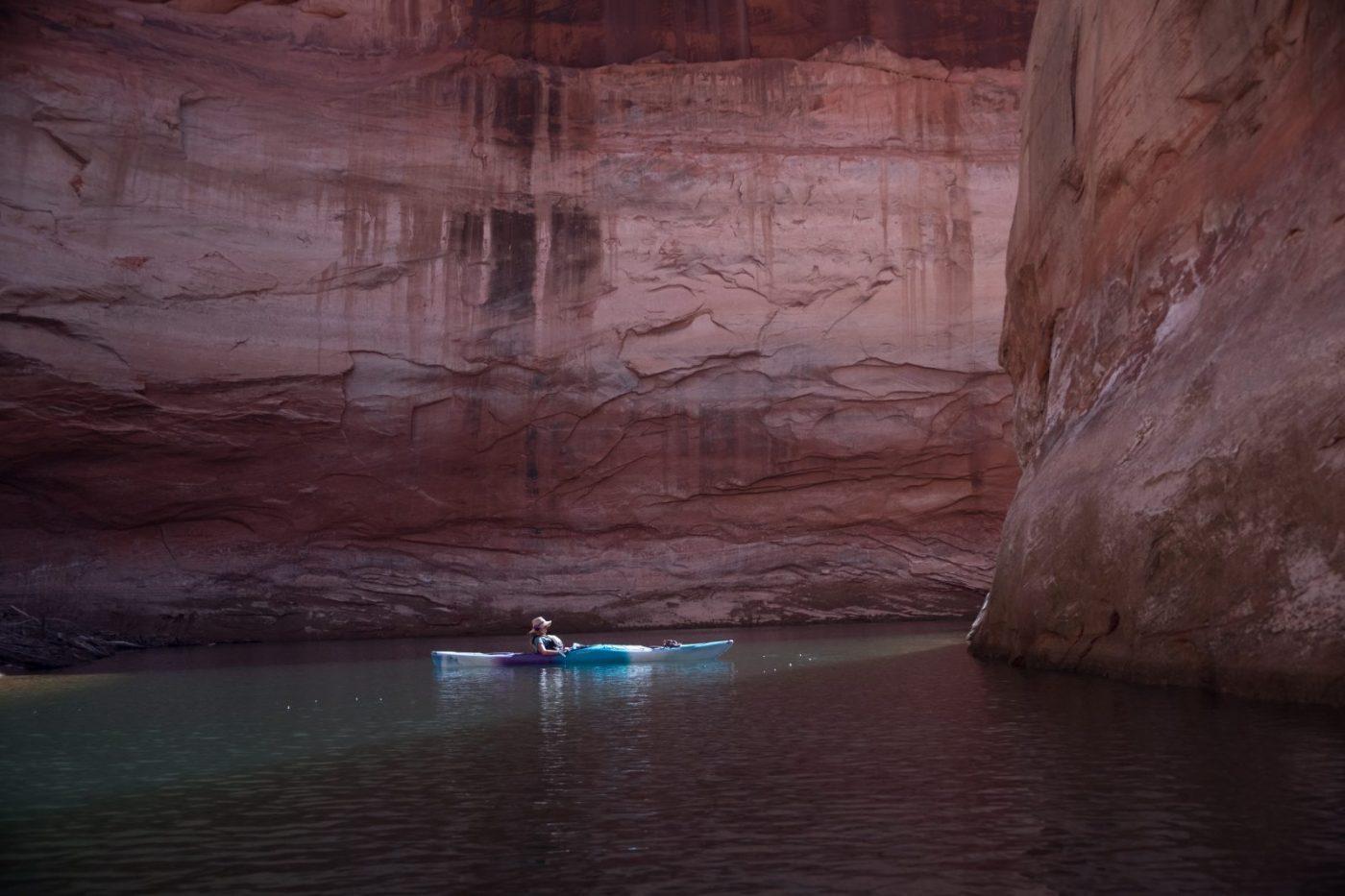 Image: Kayaker exploring Glen Canyon