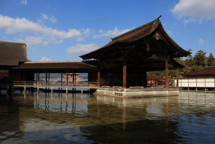 itsukushima shrine japan 700x467 - A day trip to Miyajima from Kyoto, Japan
