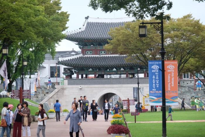 jinjuseong castle 700x467 - A visit to Jinjuseong Fortress in Jinju, South Korea