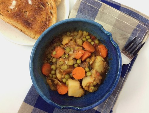 greek vegetable stew with dill | everybody likes sandwiches