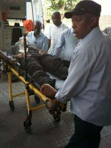 Dino Melaye, Police drama moves to Abuja streets, hospital