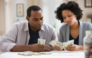 Financial management tips every serious couple should try