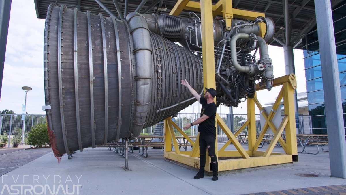 F-1 Rocket engine size scale human Infinity Science Center Stennis Space Center Tim Dodd Everyday Astronaut