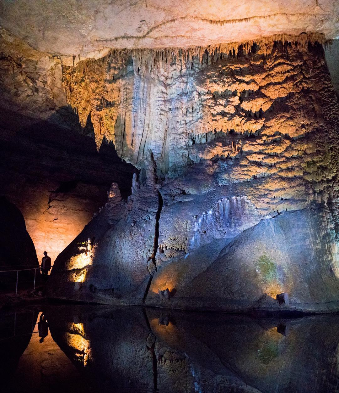 USA Photography Exploring Alabama's Waterfalls & Caves Cathedral Caverns Goliath