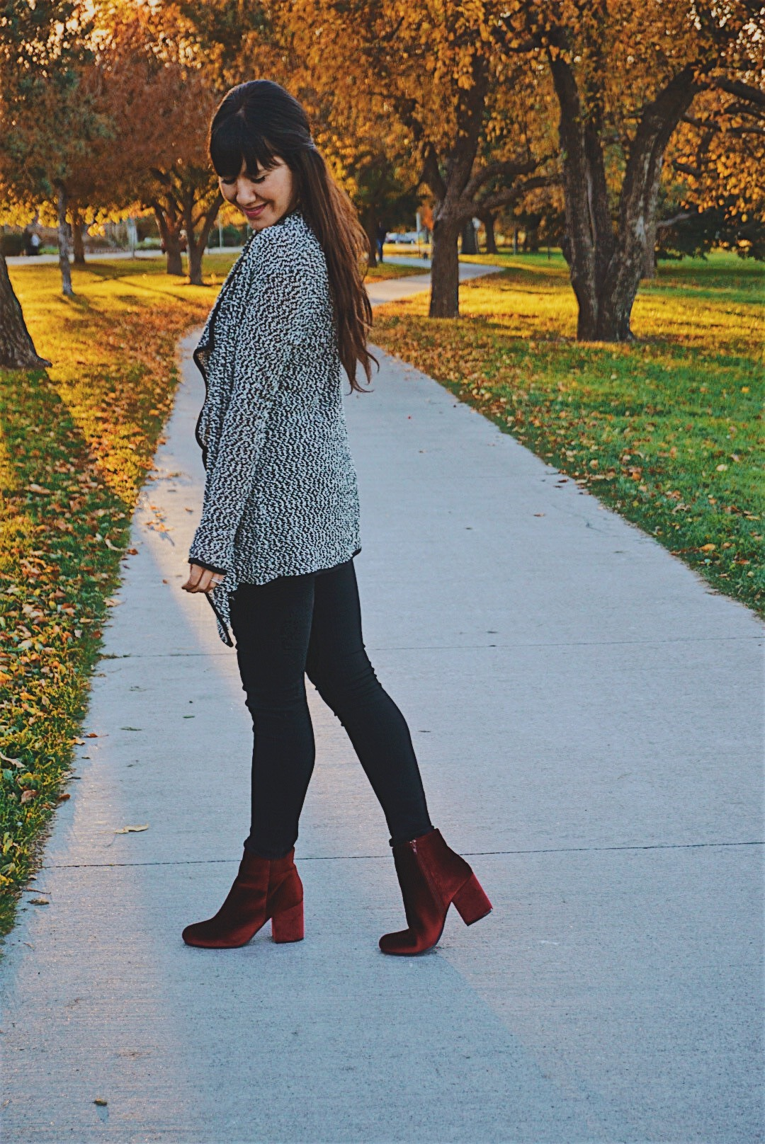 Red Suede Booties / Fall Sweater Look / Confidence in Fashion