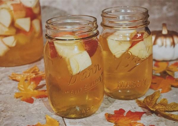 Thanksgiving Day Drink / Caramel Apple Sangria / Thanksgiving Day Sangria