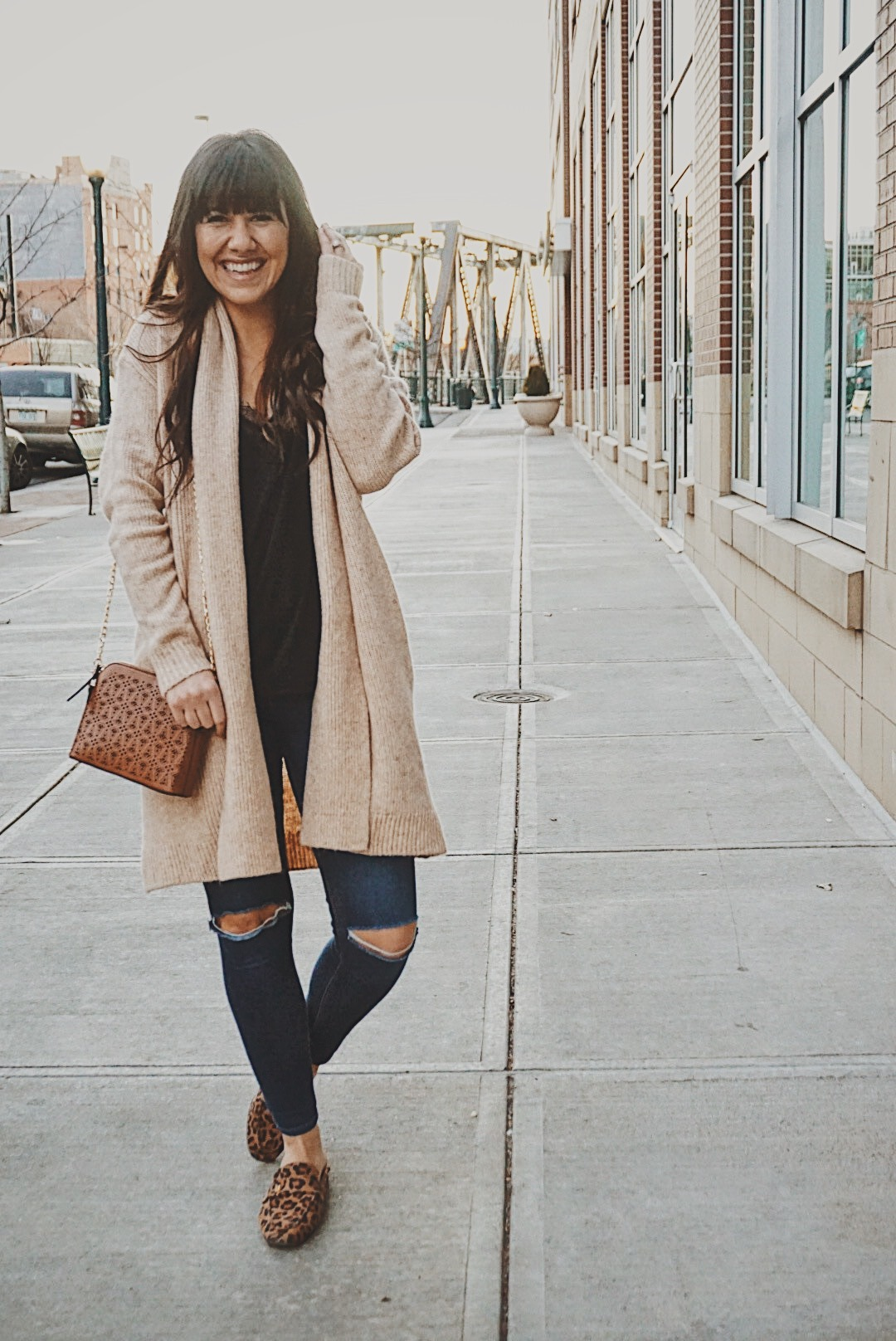 Why I Quit My Full Time Job and How It Changed My Life | Sweater Weather Look | Best Spring Styles | Cardigan Sweater Look | Best Casual Look | Everyday Positive Vibes | Woman Empowering Woman | Tips on Being Happy | Positivity for Woman