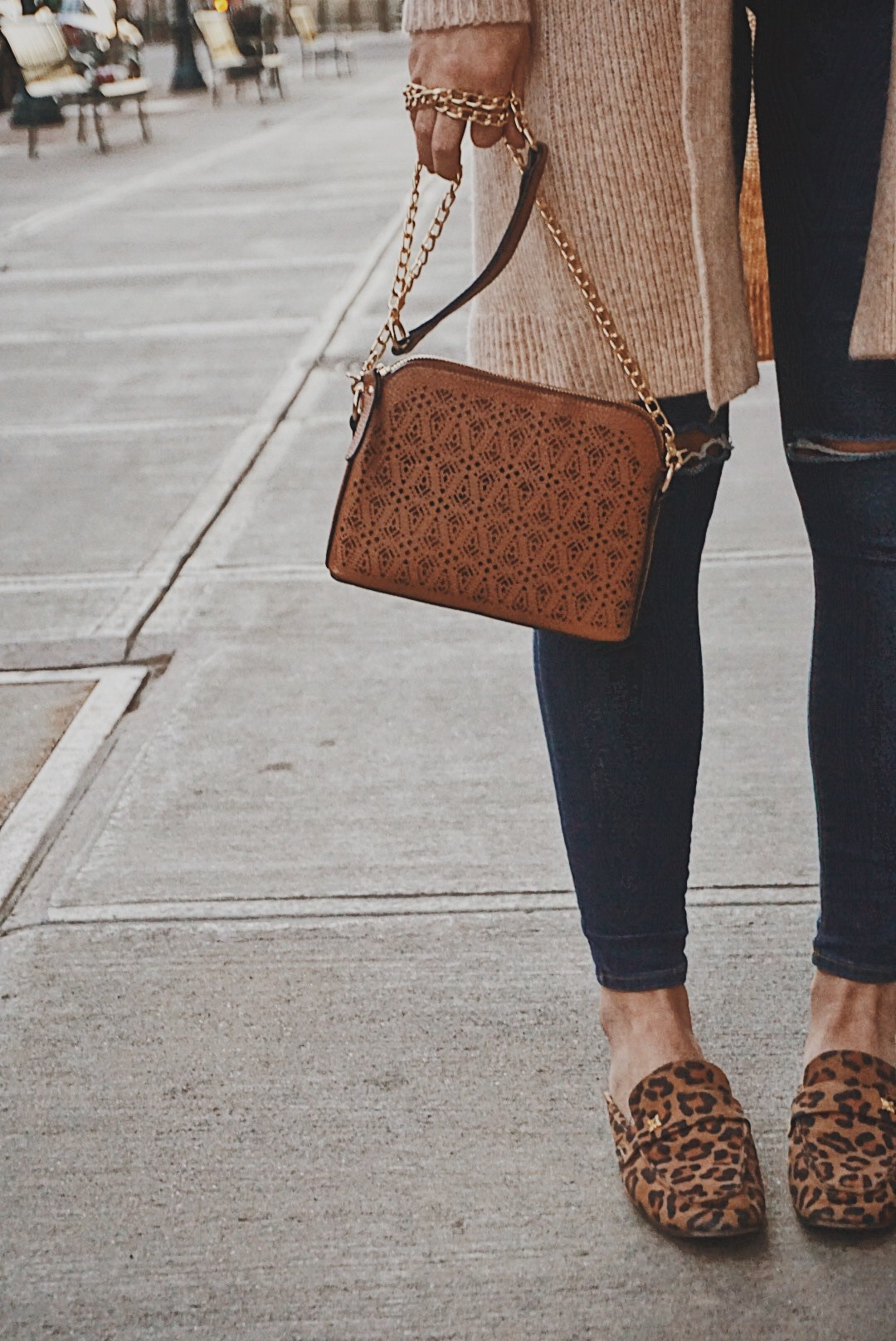 Why I Quit My Full Time Job and How It Changed My Life   Sweater Weather Look   Best Spring Styles   Cardigan Sweater Look   Best Casual Look   Everyday Positive Vibes   Woman Empowering Woman   Tips on Being Happy   Positivity for Woman