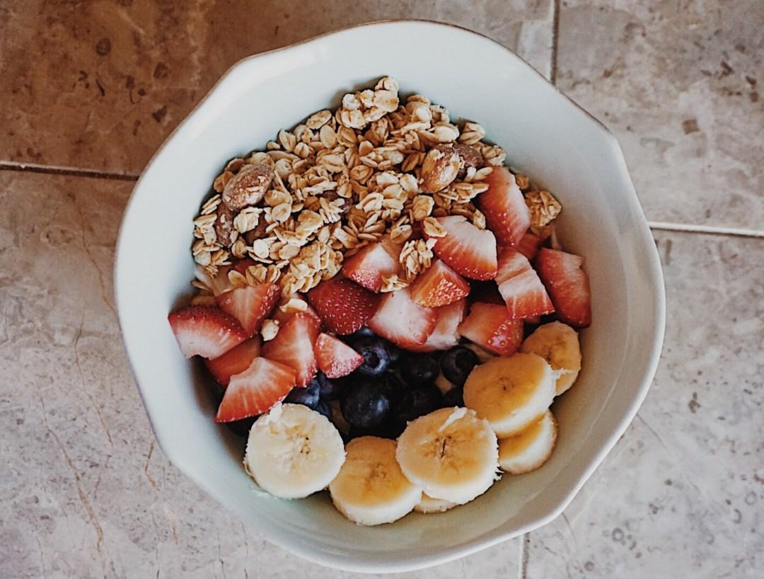 Simple Yogurt Bowl Breakfast