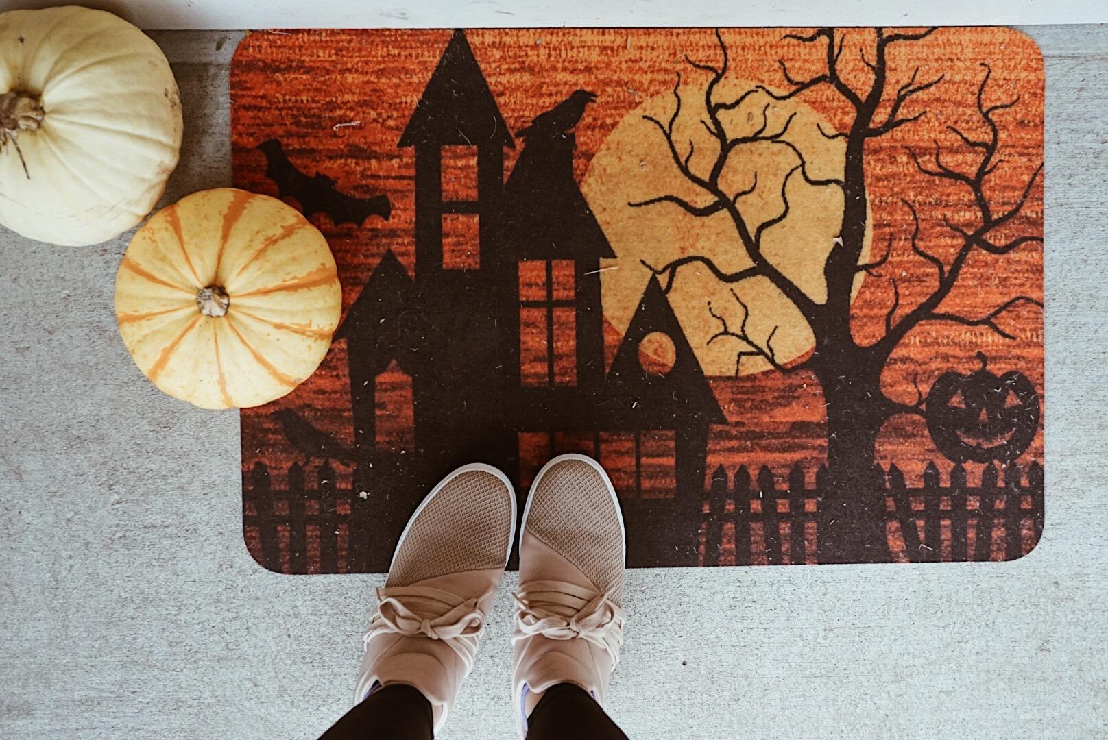 Eerie Halloween Entryway