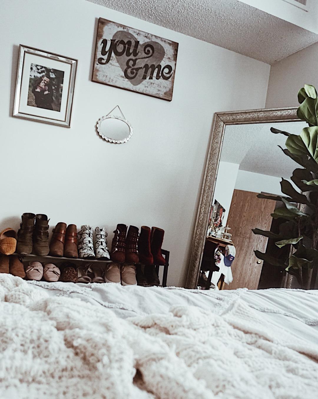 Bedroom Refresh with Wayfair - New Spring Bedroom Decor with greenery | Everydaychiffon