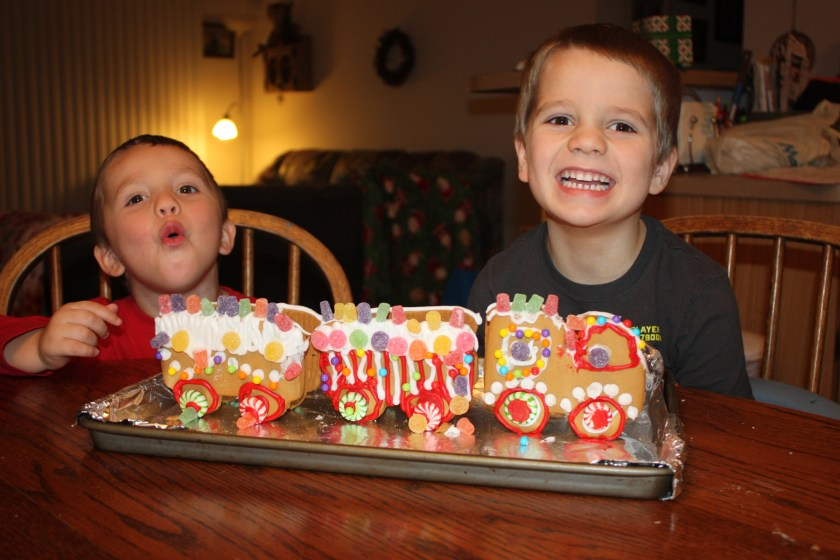 img_1535-gingerbread-train