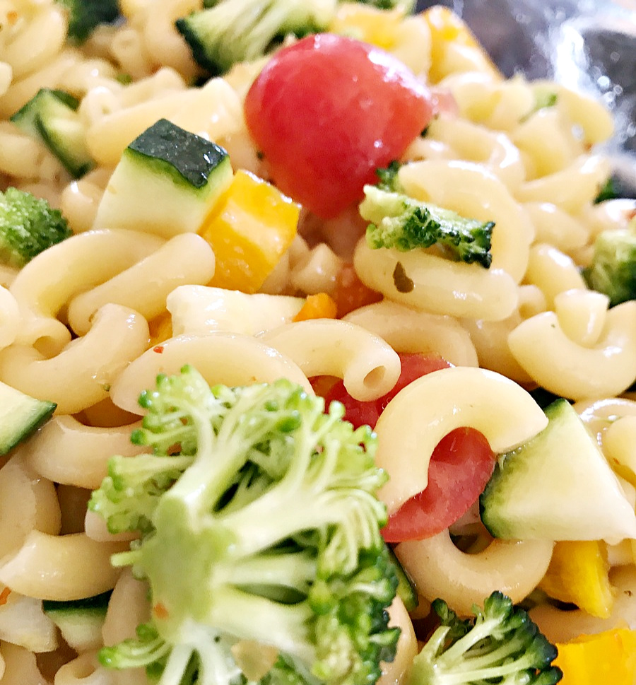 gluten-free-pasta-salad-everyday-edits