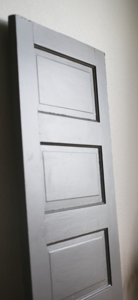 How- to-Add-Architectural-Feature-to-Blank- Wall