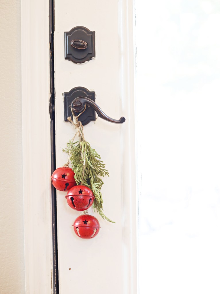 ideas-to-decorate-back-of-front-door