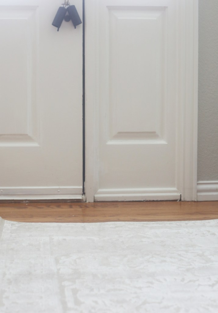 ideas-to-decorate-the-back-of-front-door