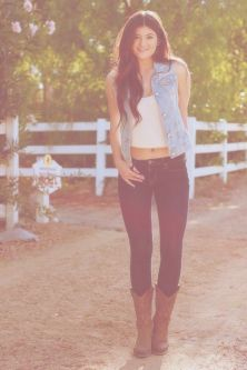 skinny jeans and western boots