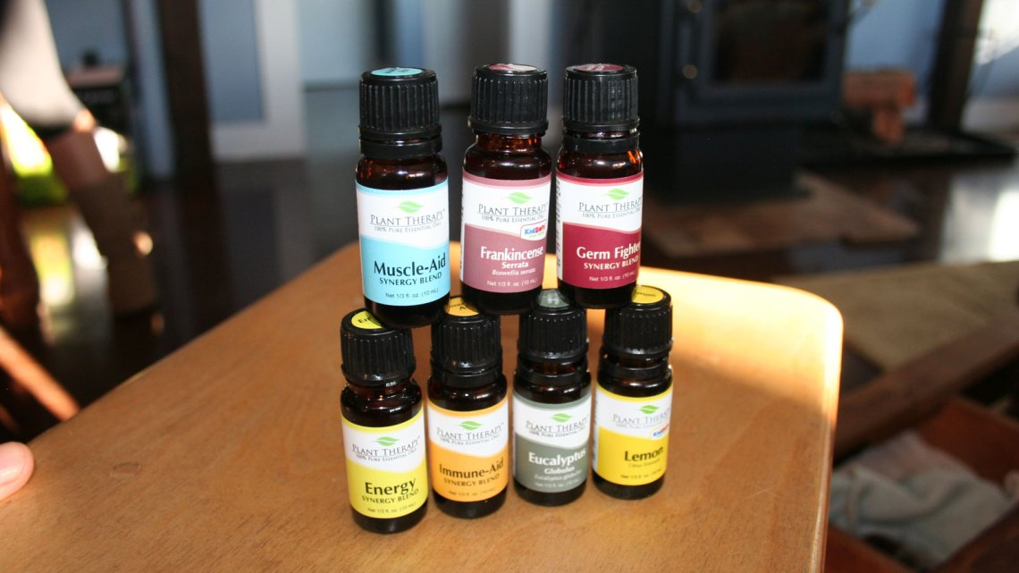 1600-x-900_Essential-Oils