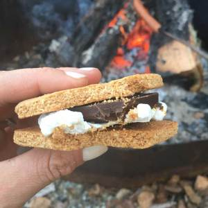 homemade-graham-cracker-by-the-fire