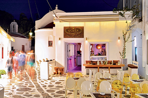 queen bar mykonos