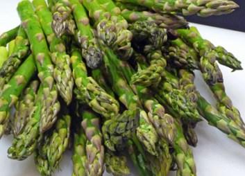 Fresh Asparagus (c) jfhaugen