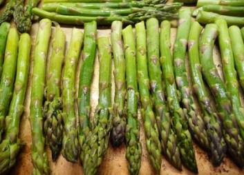 Fresh Asparagus ready for roasting (c) jfhaugen