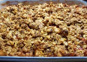 Rhubarb Apple 'n Ginger Crisp Just Out of the Oven (c) jfhaugen