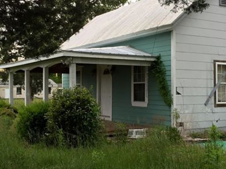 Our Next Flip House? by The Everyday Home / www.everydayhomeblog.com