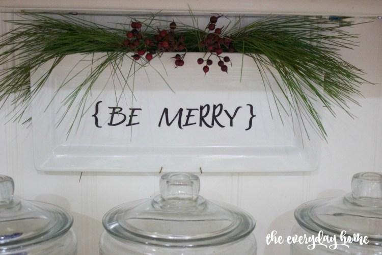 DIY Be Merry Plate | The Everyday Home | www.everydayhomeblog.com