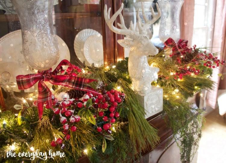 Formal Living Room Hutch Garland | The Everyday Home | www.everydayhomeblog.com