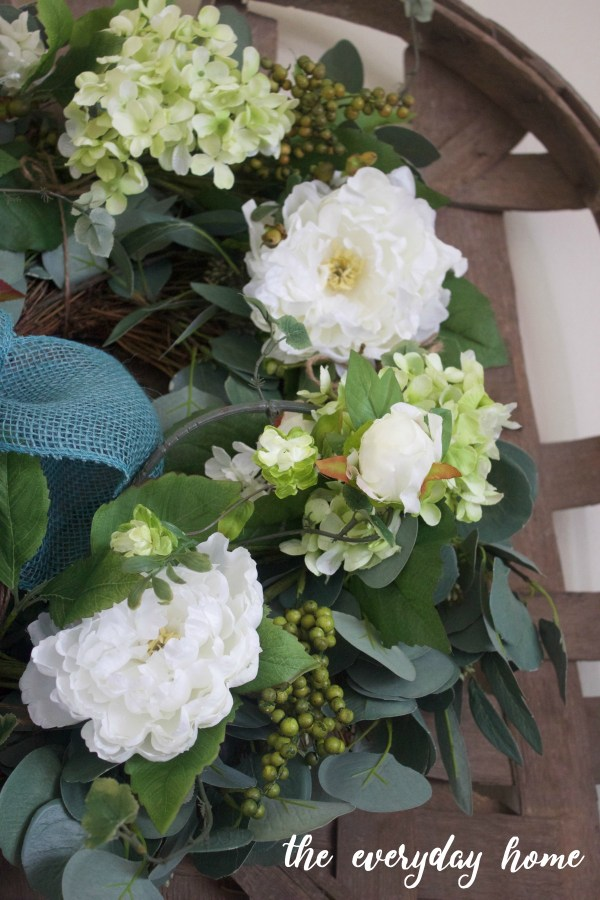 An Easy Spring Wreath | The Everyday Home