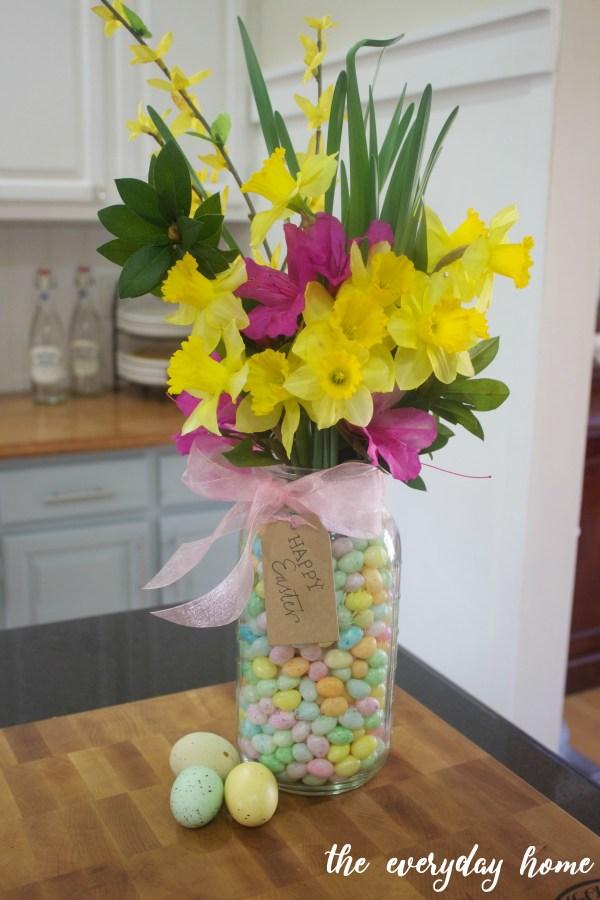 Mason Jar Easter Centerpiece | The Everyday Home
