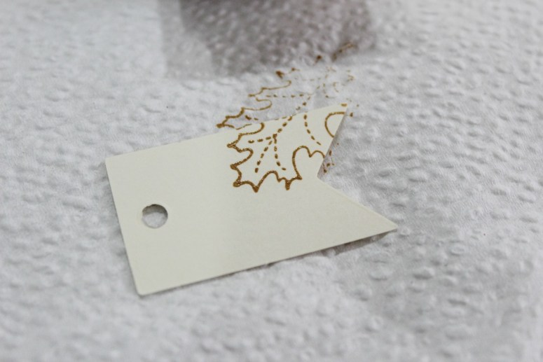 Stamping Leaves on Tags   The Everyday Home   www.everydayhomeblog.com