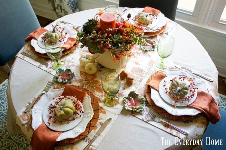 A Soft and Warm-Toned Fall Tablescape in the Breakfast Room | The Everyday Home | www.everydayhomeblog.com