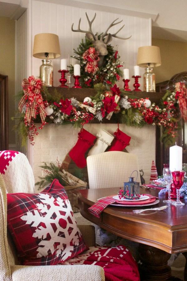creating-a-festive-christmas-mantel