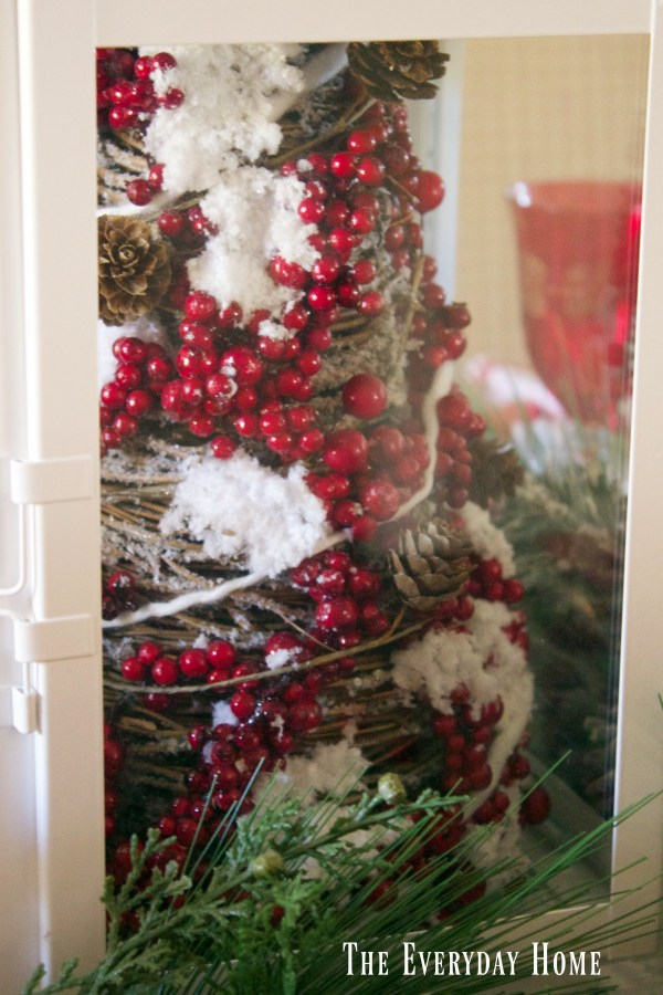 a-festive-tablescape-frosted-berry-tree