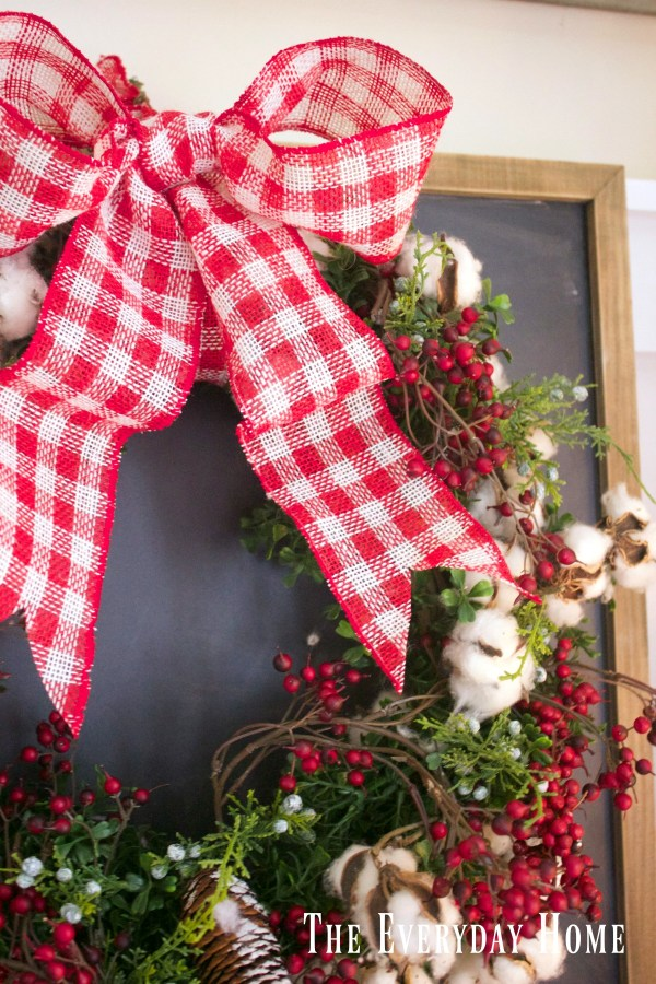 an-old-fashioned-christmas-cotton-and-berry-wreath
