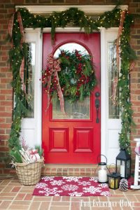 Old Fashioned Christmas Front Porch - The Everyday Home