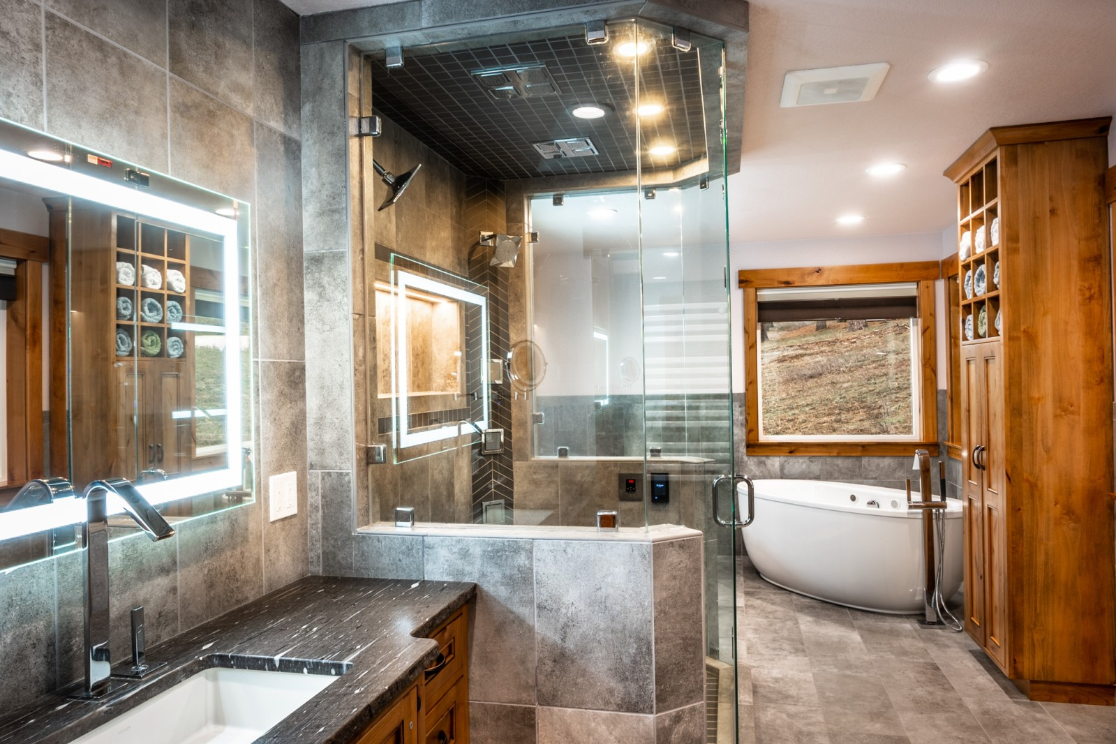 Real Estate Video Tour - Bathroom