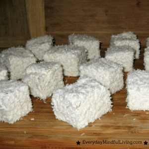 Homemade Honey-Sweetened Marshmallows Recipe