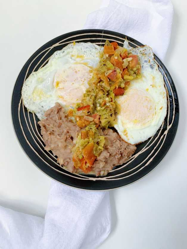 Chile con quest with eggs and refried beans #chileconqueso #greenchilewithcheese